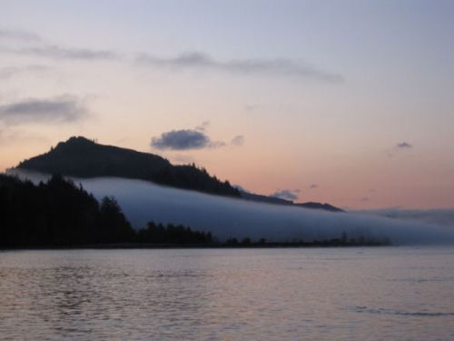 Early morning on the Columbia river