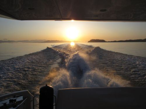 And sunrise at 20 knots