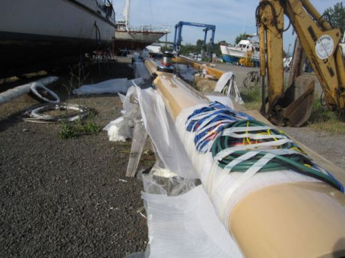 The mast and its electrical innards.