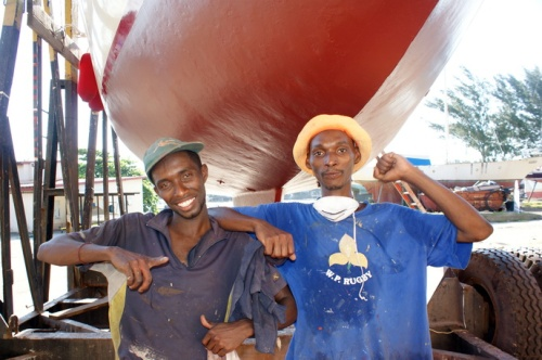 Wonder (L) and Happy. Somehow I think they have different Zulu names. Good workers.