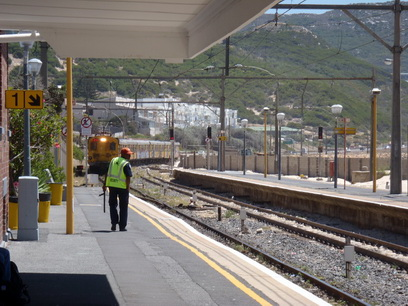 Simons Town train coming, boss.