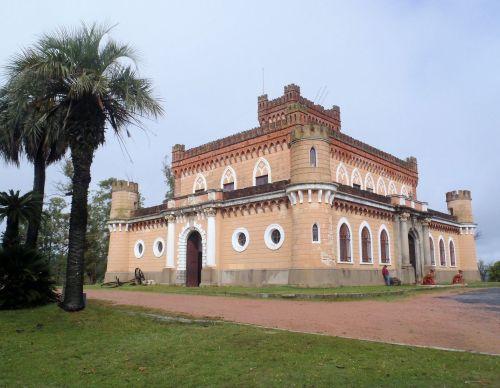 The castle of Don Piria, thus the name, Piriopolis.